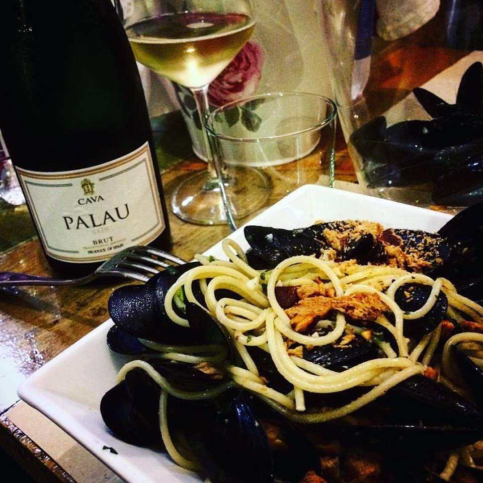 Fettuccine alle cozze con taralli direttamente da Napoli
